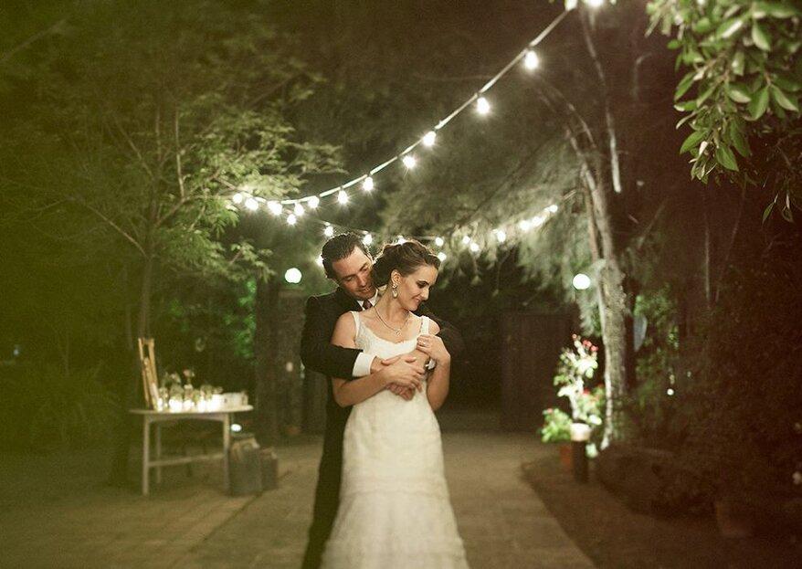 El ambiente se pinta de color púrpura y toques rústicos en la boda de Fernanda y Jorge