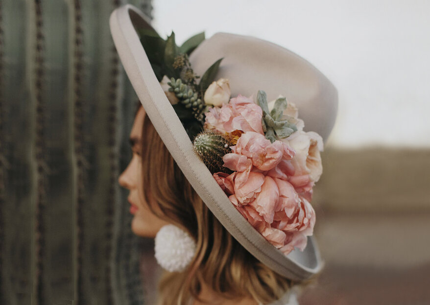 Sombreros para novia ¡El accesorio que revoluciona tu look nupcial!